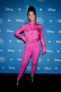 sofia-wylie-at-d23-expo-in-anaheim-08-23-2019-1.jpg