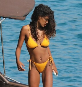 tina-kunakey-in-a-bikini-on-holiday-in-mykonos-island-08-06-2020-13.jpg