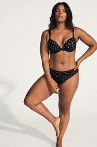 victorias-secret-rule-your-vibe-2020-yvonne-simone-body-by-victoria-push-up-plunge-bra-thong-4-hi-res.jpg