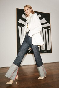 00013-VICTORIA-BECKHAM-SPRING-21-RTW-Credit-Andrew-Vowles.thumb.jpg.a9d251ad2f28a6451422a52665df3f4a.jpg