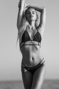 Lola_Fakeloveswimwear_34_BD-by_Olivier_Merzoug_Photographer Lola Alcaluzac.jpg