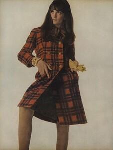 America_Penn_Penati_US_Vogue_March_1st_1966_05.thumb.jpg.f82dc4fe6fa55b3f3f6c766005d50b80.jpg