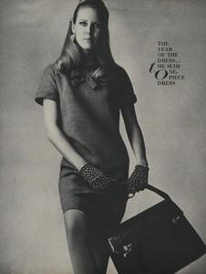 America_Penn_Penati_US_Vogue_March_1st_1966_07.thumb.jpg.d2f413a8b21a6569b3b13ac910781115.jpg
