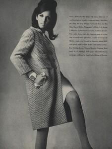 America_Penn_Penati_US_Vogue_March_1st_1966_09.thumb.jpg.89e3c304ee8c1caa811f24d0a757215f.jpg
