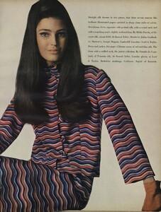America_Penn_Penati_US_Vogue_March_1st_1966_18.thumb.jpg.69415d6d0b0cf7301935ef0e33e5f1e3.jpg