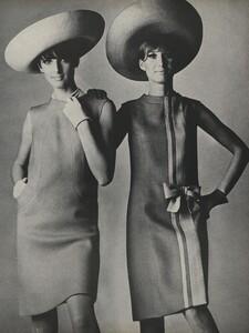 America_Penn_Penati_US_Vogue_March_1st_1966_20.thumb.jpg.22b276f66b298d735fbd1a4a0fd188d0.jpg