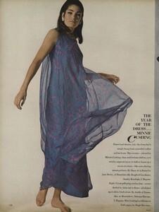 America_Penn_Penati_US_Vogue_March_1st_1966_23.thumb.jpg.3cb35d66390770a13a7d35f03ee9f795.jpg