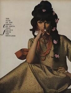 America_Penn_Penati_US_Vogue_March_1st_1966_25.thumb.jpg.00474b003da96647d09884df556f3786.jpg