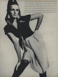 America_Penn_Penati_US_Vogue_March_1st_1966_37.thumb.jpg.8f975ead9dc13a5f409b90f0b5f8dcae.jpg
