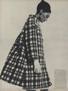 Avedon_US_Vogue_March_1st_1966_05.thumb.jpg.1955247db29da9ea01451b37e3c26c90.jpg