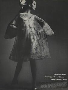 Avedon_US_Vogue_March_1st_1966_09.thumb.jpg.82079210280552f79fd8bb6d5c4c53cb.jpg