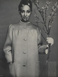 Avedon_US_Vogue_March_1st_1966_16.thumb.jpg.40699df6f12c4277d30e9faea4b5716c.jpg