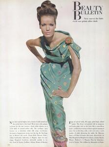 Beauty_Penn_US_Vogue_January_15th_1965_06.thumb.jpg.871660f5dc2e48385e2ffb8b50d5cc84.jpg