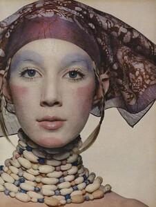Beauty_Penn_US_Vogue_July_1970_04.thumb.jpg.fdc8c0460f7a5f7a7719bc77a0e927f5.jpg