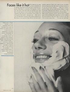 Beauty_US_Vogue_April_15th_1970_04.thumb.jpg.f10bf481e4a652a46ba51a765e3753c6.jpg