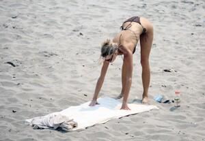 Charlotte-McKinney-Sexy-The-Fappening-Blog-10.jpg