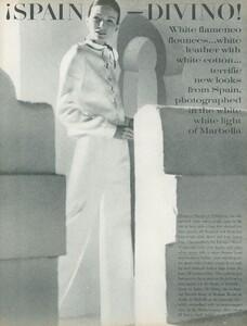 Clarke_US_Vogue_April_1st_1970_02.thumb.jpg.1da73e3550bc06fb1bde3ded7d1424be.jpg