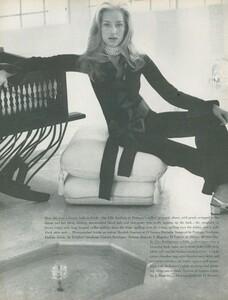 Clarke_US_Vogue_April_1st_1970_05.thumb.jpg.5c305adf43bd49afd2bce4f2b4c8618a.jpg