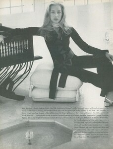 Clarke_US_Vogue_April_1st_1970_05.thumb.jpg.6e1bfbe78e013e2885302af8d605613b.jpg