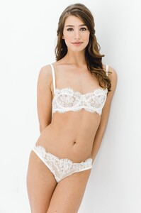 Dominique_French_lace_underwire_balconette_bra_and_briefs_Ivory_bridal_lingerie.jpg
