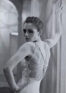 EH_Meisel_US_Vogue_March_1996_03.thumb.jpg.53bfbc6f273972d59f56c73aebf761f4.jpg