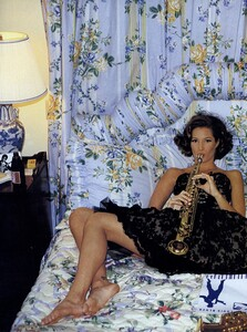 Elgort_US_Vogue_February_1992_13.thumb.jpg.877de43f7d8e0132f8599ec40b04615a.jpg