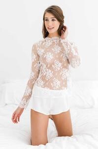 Elise_Anderegg_for_Girl_aSeriousDream_silk_shorties_shorts_french_lingerie_ivory.jpg