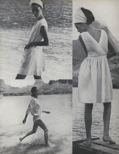 Gilded_Parkinson_US_Vogue_May_1965_08.thumb.jpg.f5a21a58a3773d255e66a59aa0714d9f.jpg
