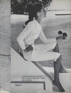 Gilded_Parkinson_US_Vogue_May_1965_10.thumb.jpg.9f0557e93adc3e57e0fe64b2b4207ca3.jpg