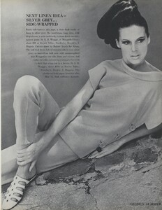 Gilded_Parkinson_US_Vogue_May_1965_16.thumb.jpg.da95eb847f0203bf7c806704d8533ae5.jpg