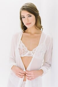 GirlandaSeriousDream_Peony_French_lace_Full_cup_underwire_bra_and_panties_briefs_with_Nina_silk_robe_bridal_portraits.jpg