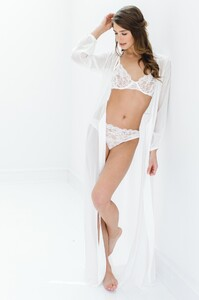GirlandaSeriousDream_Peony_French_lace_Full_cup_underwire_bra_and_panties_briefs_with_Nina_silk_robe_ivory_bride_bridal_lingerie_2d4df6f9-dbbe-4bf5.jpg