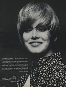 Glow_US_Vogue_July_1970_04.thumb.jpg.63bbae2690caec553903d7877b9b0da5.jpg
