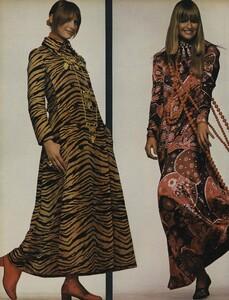 Going_US_Vogue_July_1970_09.thumb.jpg.a563e3888eb2b75c6b1b5833804db551.jpg