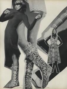 Going_US_Vogue_July_1970_21.thumb.jpg.35dc7de8ae4afad2168ba4ad45be4191.jpg