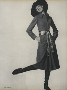 Going_US_Vogue_July_1970_32.thumb.jpg.168de0cf0dc4f9fea7af2edc86d6f301.jpg