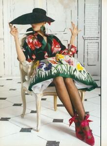 Halard_US_Vogue_April_1987_11.thumb.jpg.c25ed600c83a06ef96b888f4d198a468.jpg