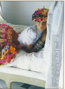 Halard_US_Vogue_April_1987_16.thumb.jpg.20d616679bdcc2242f04bc3dc219ca96.jpg
