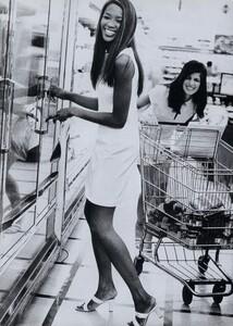 Hanson_US_Vogue_March_1996_07.thumb.jpg.8432c5c68ee99efa3e5f113d43f7321f.jpg