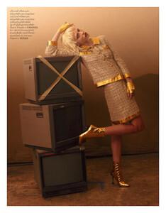 Inna-Fisun-for-Elle-magazine-July-2019-2.jpg