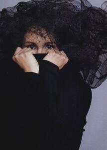 JR_Ritts_US_Vogue_June_1994_08.thumb.jpg.84d3d67a56204eb4e0c25ed881080da2.jpg