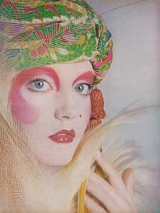Joie_Makeup_US_Vogue_April_1st_1970_02.thumb.jpg.e2731bb82d22e0324d7d137b6db98db5.jpg