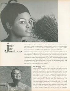 Joie_Makeup_US_Vogue_April_1st_1970_05.thumb.jpg.138765d0d9babc293456ae94577adaa6.jpg