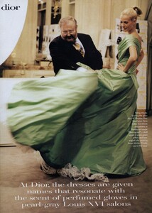 Leibovitz_Halard_US_Vogue_March_1996_09.thumb.jpg.8a85230c2b6936675ac497bb1a34f268.jpg