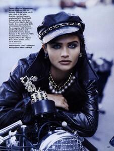 Lindbergh_US_Vogue_September_1991_02.thumb.jpg.3584634d7cc7f2b4551bd4574962c17b.jpg