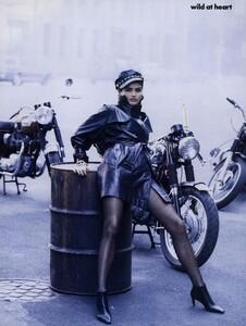 Lindbergh_US_Vogue_September_1991_04.thumb.jpg.ba30792a76ee0cbdca0e1d5898ffa5ec.jpg