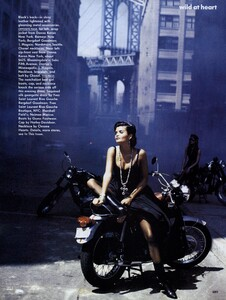 Lindbergh_US_Vogue_September_1991_06.thumb.jpg.df467cbf20a347bbc49130cf48747405.jpg