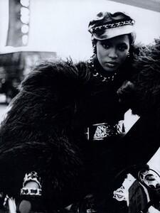 Lindbergh_US_Vogue_September_1991_09.thumb.jpg.6eca41c2f9c2940d6ca3bf89de2ee981.jpg