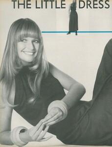 Little_Dress_US_Vogue_April_1st_1970_01.thumb.jpg.7088aa8a71acc52005f04f0deacef4e4.jpg