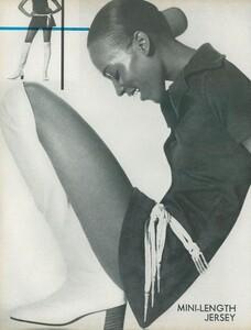 Little_Dress_US_Vogue_April_1st_1970_11.thumb.jpg.f8df7901077d29c3ff68e421d8eb645b.jpg